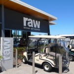 「RAW Kitchen & Espresso」でビジネスランチ