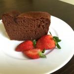 小麦粉を使わないグルテンフリーのチョコレートケーキ